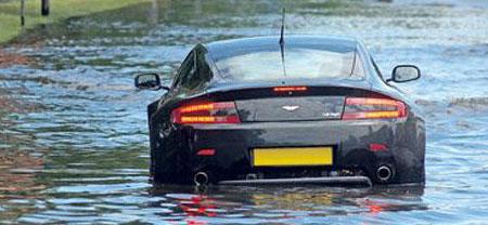 การขับรถยนต์ลุยน้ำ